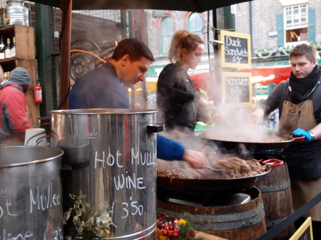 Borough Market: I had me some of this mulled wine for my (cough, cough) sore throat a few weeks ago.