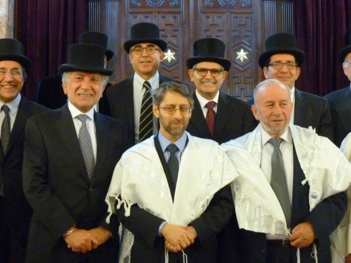 The petit Grand Rabbi with all the other rabbis