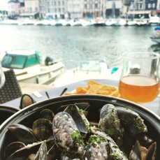 Moules frites and a cider